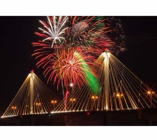 fireworks_bridge_thumb.jpg